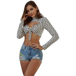 le magliette delle donne stampano gli archi Sconti Star Print Dolcevita Crop Top Donna Sexy Hollow Out Bow Maglietta Donna primavera estate Magliette Short Top