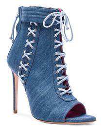 Sandália cobre os dedos dos pés on-line-Moda azul denim curto sandália botas peep toe fino salto alto cruz amarrado capa sandálias mulher calcanhar