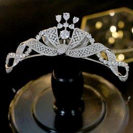 diadema de circonia Rebajas Nueva diadema de tiara con corona de joyería de boda brillante con elegante tocado de mujer de zirconia de cristal y fiesta de campeonato