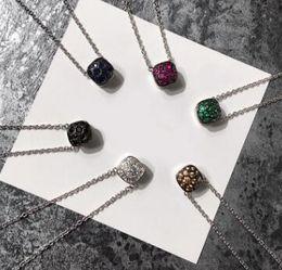 Ausländische silberne schmucksachen online-Außenhandel heißen Sterling Silber Schmuck Edelstein sechs Farbe Stein Quadrat Wabe S925 Sterling Silber Halskette Silber