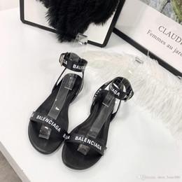 Sandalias planas tipo online-Nuevas mujeres sandalias planas de color negro y morado blanco Anillo de cordón tipo pie Joker puro y fresco