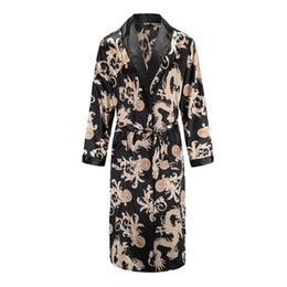 Ropa de dormir de alta calidad del camisón de seda suelta de gran tamaño vestido del dragón de seda de manga larga de media bata albornoz traje casero para hombres desde fabricantes