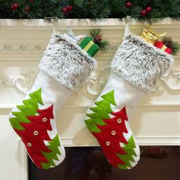 2019 bolsa de regalo de franela Bolsas de regalo de calcetín navideño de alta calidad Franela no tejida Calcetín decorativo de Navidad Bolsa de calcetines decorativos lisos de gran tamaño DBC VT0757 bolsa de regalo de franela baratos
