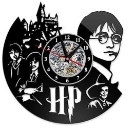 2019 specchi resistenti all'acqua Harry Potter Clock Theme Art CD Record Orologi Vinile antico LED appeso a parete Orologio nero Hollow Home Decor Orologi GGA2656