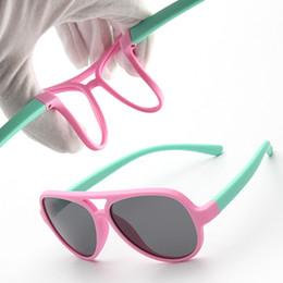 Nouveaux enfants lunettes de soleil garçons filles lunettes de soleil lunettes de sécurité en silicone cadeau pour enfants bébé UV400 lunettes ? partir de fabricateur