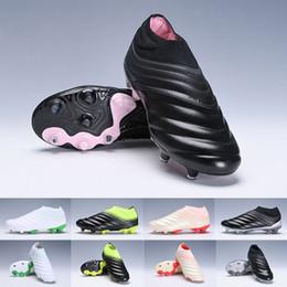 the latest 51f5b e2e9e 2019 Copa 19+ FG Mens Copa Mundial Leather FG Scarpe da calcio Bianco Nero  Sconto scarpe da calcio 2015 World Cup Scarpe da calcio Taglia 38-45 a  prezzi ...