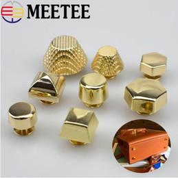 Couro diy rebites on-line-Sacos de ouro Meetee Hardware Acessórios de Metal Pregos Botão Rebite Parafuso Bolsa de Fundo Decoração Fivelas Unhas Artesanato De Couro DIY