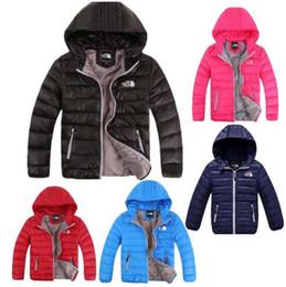 Niños niños abrigos de invierno online-Chaqueta de plumón de marca para niños Abrigos de almohadilla de pato de invierno para jóvenes Abrigos con capucha de North Boy Girls Outwear Face Abrigo liviano para exteriores F8805