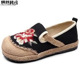 Хлопок ручной работы онлайн-2019 Vegan Handmade Women Linen Cotton Loafers Espadrilles Flower Embroidered Ladies Casual Flat Platform Sneakers Shoes