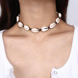 Colliers de colliers collier de coquillages européen et américain bijoux dames à la main shell court collier de clavicule de style bohème ? partir de fabricateur