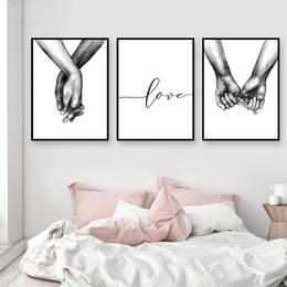 Citações pôsteres parede on-line-Nordic Poster Preto E Branco De Mãos Dadas Cópias Da Lona Imagem Amante Citação Pintura Da Arte Da Parede Para Sala de estar Decoração Minimalista