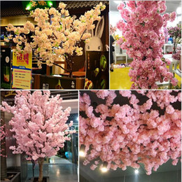 2021 decorar plantas artificiales Simuled Cherry Blossom Plantas artificiales Decoración del hogar Silk Cherry Blossoms Artificial Bouquet Festival de boda Flor decorativa