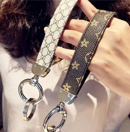 2019 chaveiro do coelho branco Homens Mulheres clássico chaveiro Designer Acessórios PU Couro chave do carro Anel-chaves Anéis Chave Charme Jóias presente