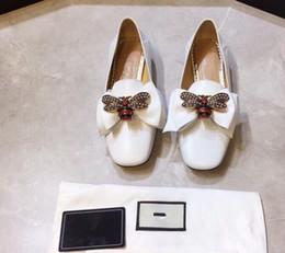 2019 nouvelle étape sur les racines de l'abeille arcs Lok Fu chaussures femmes cuir plat bouche chaussures plates de style européen et américain ? partir de fabricateur