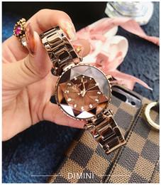 vigilanza impermeabile del rhinestone delle donne Sconti Dimini Trend Orologio da donna Star Design Cut superficie intarsiata con strass Scala Cinturino in acciaio di lusso Bellissimo orologio al quarzo impermeabile