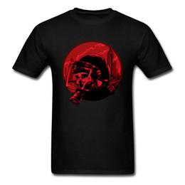 Maglietta RIOT POLICE Cool 2018 Maschera teschio Stampa teschio Nero Rosso Tee Shirts Design elegante High Street Fashion Tops Taglia L cheap stylish red shirts da eleganti camicie rosse fornitori