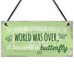 Signo de mariposas online-Se convirtió en una cita para mariposas Colgando placa SummerHouse Sign Garden Shed Mum Nan Hermosa casa regalo