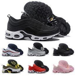 Air OG Ultra 97 TN Plus Scarpe da corsa da uomo per donna Designer  originale Sneakers Scarpe da ginnastica di marca sportiva di lusso bianco  nero Maxes Size ... 2c51c49585a