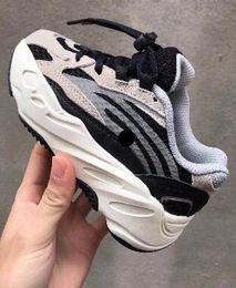 buenos zapatos nuevos Rebajas 700 Kids Running Shoes, top 2019 new Kid athletic best sports running shoes for boy boots, compra en línea único, cómodo, cool bass court