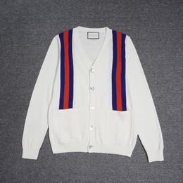 Raya de manga larga para hombre online-18ss Moda suéter Suéteres de diseño para hombres de manga larga Rayas rojas y azules Con cuello en V Bolsos de punto Suéter de lujo Invierno Nuevo para hombre
