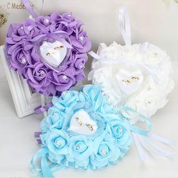 2019 borboletas de espuma Bandeja de anel de casamento em forma de coração de espuma artificial flor PE simulação rose butterfly strass pérola anel de casamento travesseiro decoração desconto borboletas de espuma