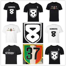 2019 italiano direto 18 2019 Primeira divisão italiana de futebol Campeões 37º Juventus 8º campeonato direto T-shirts Camisa preta de futebol Marca costurada Logos italiano direto barato