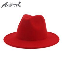 2019 широкая красно-красная фишка [AETRENDS] 2019 New Fashion Red with Inner Black Women Fedoras Ladies Wide Brim Hats Jazz Hat Fedora Caps chapeu feminino Z-6792 дешево широкая красно-красная фишка