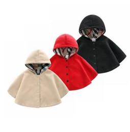 Tasarım Bebek Kız Erkek Kapüşonlu Çocuk giyim Yenidoğan Yün Rüzgar Geçirmez Pelerin Kız Ve Erkek Bebek Kalın Sıcak Pelerin Baby Out Giyim Şal nereden