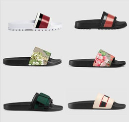 leather sandals women flats Coupons - 2019 Brand Slippers Quality Sandals Designer Shoes Slides Flip Flops Man Woman Loafers Huaraches Sneakers Trainers Running Shoes G29