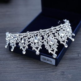 Ювелирные изделия из бисера онлайн-Свадебные украшения тиара головной убор белый кристалл корона невесты принцесса корона головной убор для свадебного платья 2019 свадебные аксессуары для невесты