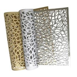 Mantel de oro online-PP Rectangular Leavese Pattern Placemat Forma de flor Western Table Mat Cocina Gold Stamping Geometric Restaurant Placemat