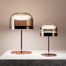 Iluminación minimalista de lujo online-Lámparas de mesa moderna minimalista Estudio dormitorio de la lámpara de la sala llevó la luz del modelo de lujo de habitaciones creativo CONTENIDAS de cristal lámpara de mesa