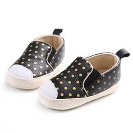 Повседневная обувь онлайн-Casual Baby Male First Fall Princess New Shoes Spring Female Gold And Children's Polka PU Walker Dot Leather Winter