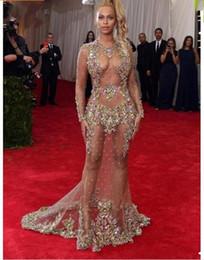 2019 encontrar bolas 2019 Beyonce Met Ball Vestidos No Tapete Vermelho Nu Celebridade Vestido Ver Através Formal Vestir Trem Da Varredura Backless Sheer Frisado Vestido De Noite encontrar bolas barato