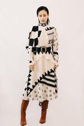 Primavera verão designer mulher vestido pista on-line-Vestidos de pista de Milão 2019 Primavera Verão Gola de Manga Longa Impressão Geométrica das Mulheres vestido de Grife Vestido Da Marca Mesmo Estilo 12811