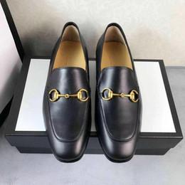 Chaussures de mariage designer italien en Ligne-modèles Italien Luxe Designer cuir chaussures habillées Top cuir fête de mariage hommes chaussures en daim la mode mocassins chaussures à talons taille 35-44