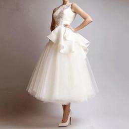 Robe de soirée en ligne de te de tulle en Ligne-Robes de bal courtes élégantes sans manches volants Tulle une ligne robes de soirée thé longueur robe de soirée robe de soirée Abendkleider
