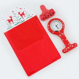 Ärzte stifte online-Frohe Weihnachten Silikon Brosche Uhr Krankenschwester Fob Uhr Pflege Geschenk Quarz Stift Clips Doctors Nurses Dedicated Pen Bag Praktische