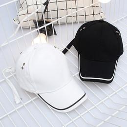2019 cappuccio maschio di modo coreano Nuovo design coreano moda stile cinturino lungo curvo berretto da baseball da uomo femmina estate all'aperto cappello da sole cappello sconti cappuccio maschio di modo coreano