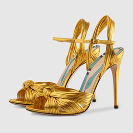 Moda vestido de frente aberto on-line-Tamanho grande 43 runway fashion shoes mulheres nó sandálias de frente gladiador dedo aberto saltos altos vestido sandálias casuais verão festas sapatos ouro rosa