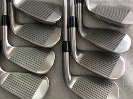Set di golf di grafite online-Mazze da golf di alta qualità Mano sinistra A3-718 Testa a sfera in argento Albero in grafite o acciaio (set 3-9 P) Spedizione gratuita