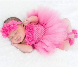 häkelarbeit tüll blumenmädchen kleid Rabatt Nettes Baby-Ballettröckchen-Satz-Säuglingsmädchen-Häkelarbeit-Tüll-Ballettröckchen mit Blumen-Stirnband und Fuß-Ring-neugeborenem Geburtstagsfeier-Kleid Q190518