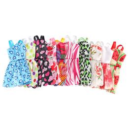 Ornamenti per abiti in stile misto Scarpe Accessori per Panno per bambole Feste Giocattoli per bambini Miglior regalo Giocattolo per ragazze Cool da abiti tacchi alti fornitori