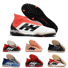 2019 Chaussures de soccer en cuir pour hommes Predator Tango 18+ TF IC, chaussures de football en salle pour chaussures de football en salle, pas cher Noir Blanc Grand ordre ? partir de fabricateur