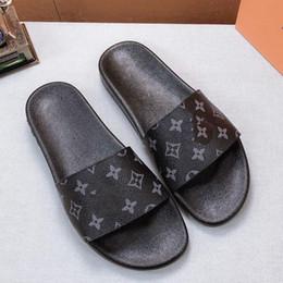 2019 pantofole di design Con la scatola! Pantofole da donna di alta qualità Sandali di marca Scarpe piatte Scarpe firmate Scarpe da basket con scivoli Scarpe casual Infradito da scarpe10 L02