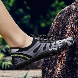 2019 corrientes deportivas Verano deportes al aire libre para los hombres vadeando playa Natación Agua Aqua Zapatos Gimnasio de interior salto saltar la cuerda entrenamiento zapatos rueda de ardilla corrientes deportivas baratos