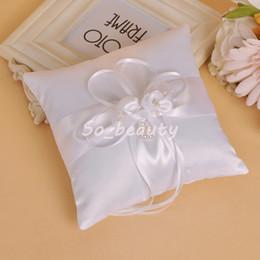 cestas de flores para casamentos Desconto Almofada de Almofada de Anel de Cerimônia de Casamento branco com Fita De Cetim Portador Travesseiros Casamento Criativo Fornecedores Decoração de Alta Qualidade BS5740