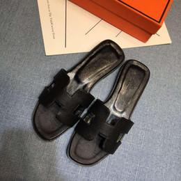 2018 designer femmes talons hauts mode de fête rivets filles sexy chaussures pointues chaussures de danse chaussures de mariage chaussures à double bride ? partir de fabricateur