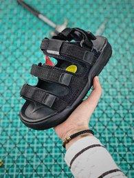 2019 Erkekler UNI TOKYO Sandalet Moda Spor Terlik Trail Açık Su Ayakkabı Kadın Hookloop Severler Visvim Yaz Rahat Sneakers Plaj nereden