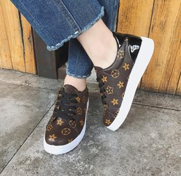67ddadf46bdf Woman Sneakers Spring autmn 2018 brand design tenis feminino lace-up  Classic brown ladies flats shoes zapatos mujer tenis shoes mujer on sale